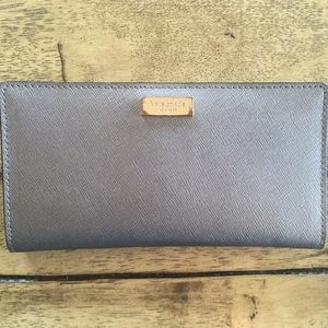 NWOT Kate Spade Silver Leather Stacy Wallet